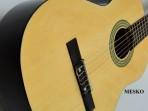 Guitarra Estudio M - 03 Tamaño Standar  Cuerdas Nylon  1,00 Metro de Largo