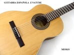 Alhambra  Z - Nature, Guitarra Española, Clásica Cuerdas Nylon,    TAPA: Cedro Macizo, AROS Y FONDO: Sapelli,  MANGO: Samanguila, DIAPASÓN: Palosanto, CLAVIJEROS: Niquelados, Incluye  Funda